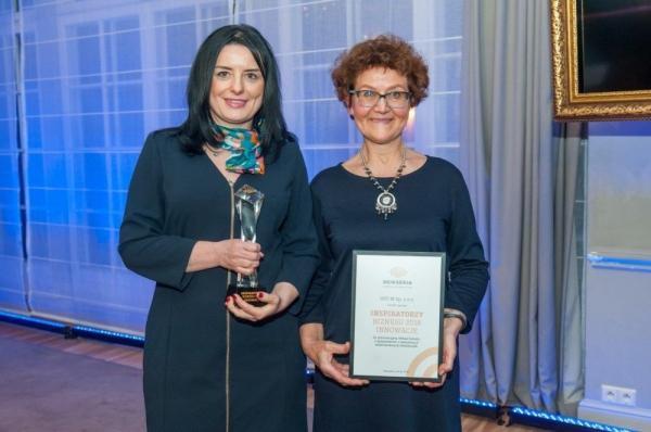 od lewej: Urszula Czechowicz-Górna, Prezes Zarządu UST-M oraz Emilia Kubicka-Szalewicz, Dyrektor Handlu Zagranicznego. Fot. Gierszt